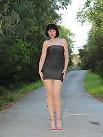 Beautiful Pantyhose Diva wearing nice dress | PantyhoseDiva.com